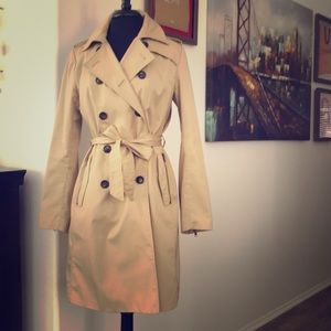 H&M Beige Double Breasted Trench Coast Size 10!